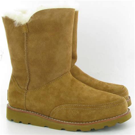 ugg shanleigh braid boots in chestnut