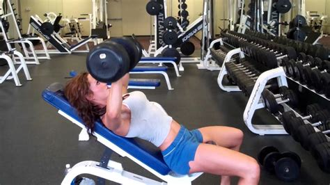 erin bench erin stern does incline dumbbell bench youtube