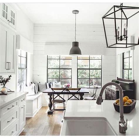 modern farmhouse kitchen lighting best 25 white farmhouse kitchens ideas on pinterest farmhouse kitchens farm style kitchen