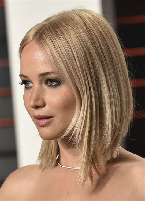 is jennifer lawrence hair cut above ears or just tucked behind best 25 jennifer lawrence passengers hair ideas on