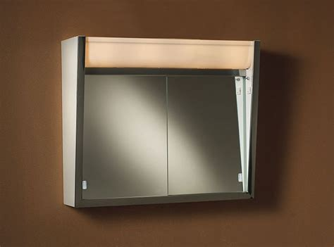 Lighted Vanity Medicine Cabinet 1000 Ideas About Lighted Medicine Cabinet On