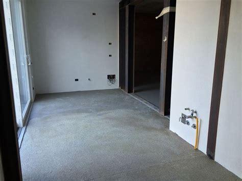 come realizzare un pavimento in resina come realizzare un pavimento autolivellante