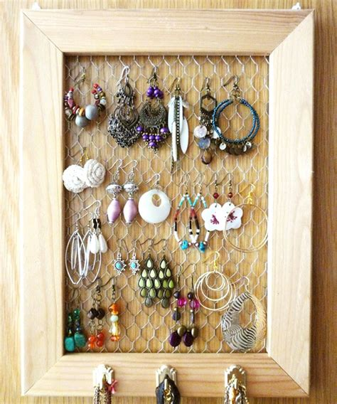 how to make jewelry displays 23 jewelry display diys sincerely yours