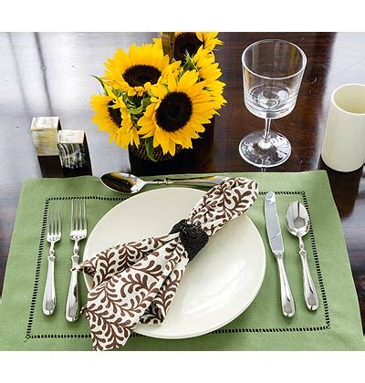 casual table setting setting your table for the holidays trendy tree blog