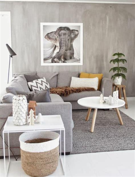 Incroyable Deco Salon Mur Blanc #4: Ambiance-naturelle-et-artistique-deco-salon-gris-couleur-peinture-salon-gris-mobilier-gris-petites-touches-de-couleur-tableau-exotique-e1476711834813.jpg