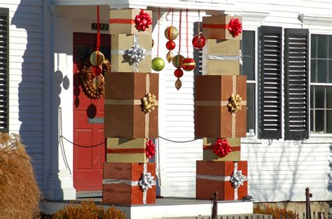 christmas decorating outdoor columns 25 outdoor decoration ideas in pictures
