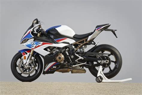 star7 2020 mini hd 2017 110618 2019 bmw s1000rr p90327385 highres motorcycle