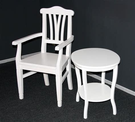 weiße stühle holz coole tapeten skandinavisch