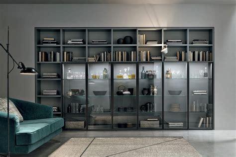 illuminazione libreria libreria modulare a053 con elementi vetrina illuminati a