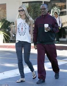 Eddie Murphy takes girlfriend Paige Butcher to Starbucks instead Coffee Bean & Leaf   Daily Mail