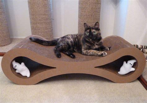 infinity scratcher giveaway infinity cat scratcher lounge