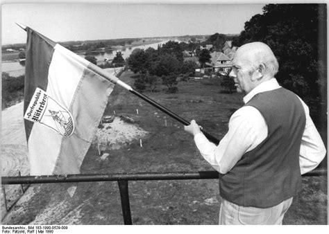 Mahnung Muster Höflich File Bundesarchiv Bild 183 1990 0529 009 Dorfrepublik Quot R 252 Terberg Jpg