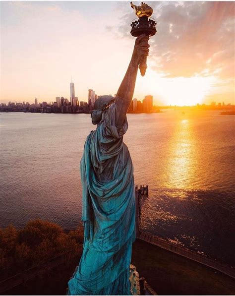 best way to see statue of liberty and ellis island best 20 statue of liberty ideas on statue of