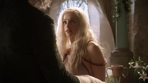 actress game of thrones season 1 emilia clarke game of thrones season 1
