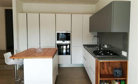 sgabelli cucina roma isola cucina con sgabelli