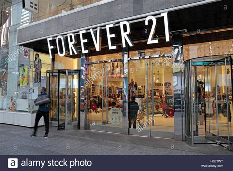 a forever 21 clothes store in manhattan new york city