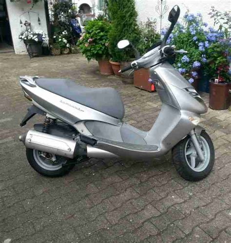 125ccm Motorrad Versicherungskosten by Aprilia Leonardo 125ccm Roller Gro 223 Roller Bestes Angebot
