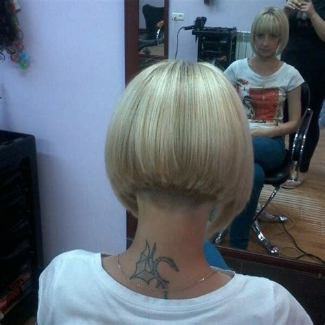 bob with heavy fringe short blonde graduated bob with heavy back blunt fringe