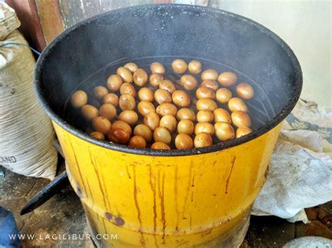 pembuatan telur asin asap inspirasi dari potensi desa wisata sanankerto malang