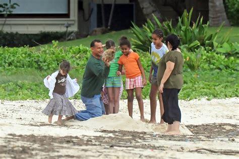 vacation like the president at obama s hawaii vacation barack obama in obama family vacation in hawaii zimbio