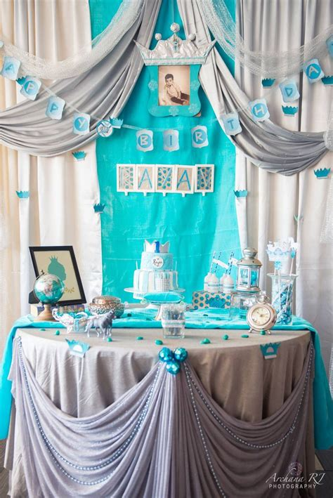 colors that go with white we chose to go with a turquoise white silver and tinge of
