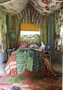 Bohemian Bedroom Ideas by 65 Refined Boho Chic Bedroom Designs Digsdigs