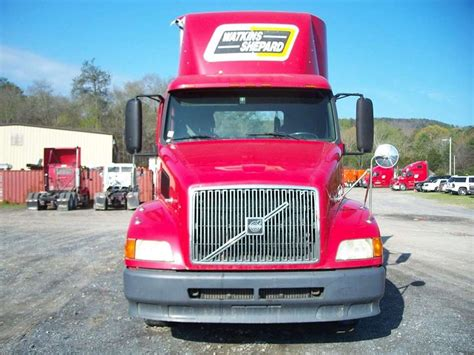 commercial truck volvo 2002 volvo vnl64t300 day cab semi truck for sale 408 154
