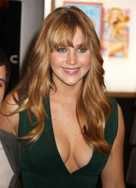 jennifer lawrence hair co or for two toned pixie jennifer lawrence decollete jennifer lawrence measurements
