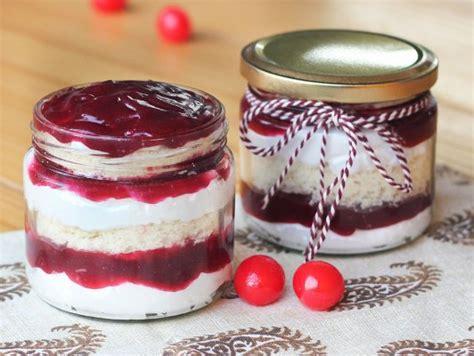 blueberry jar cakes tantalizing blueberry jar cake cake bakingo