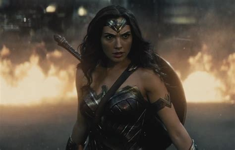 film seri wonder woman wonder woman les premi 232 res critiques du film star 24