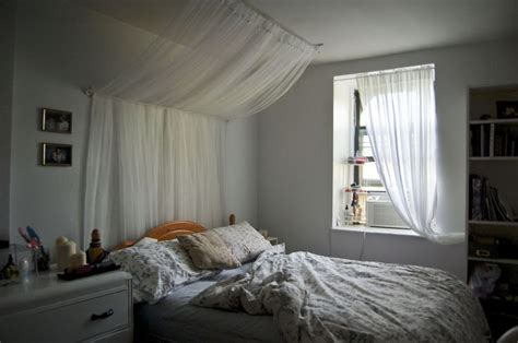 bedroom pictures to hang 17 best images about hanging curtains ideas on pinterest