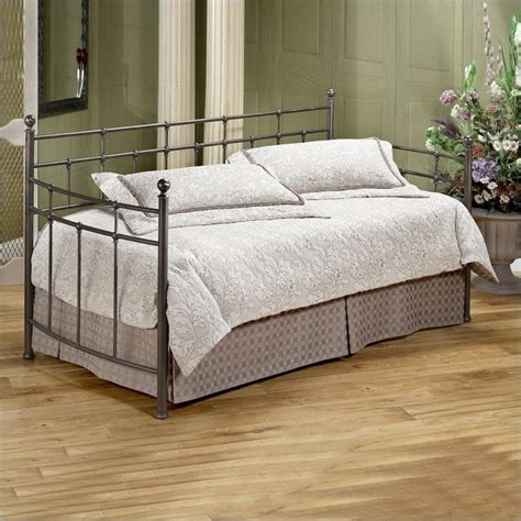 Metal Daybed With Trundle Providence Metal Daybed In Antique Bronze Finish With Pop Up Trundle 380dblh Pkg