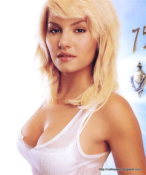 elisha cuthbert body measurements celebrity bra size
