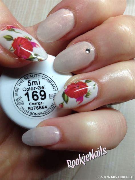 Nagel Wraps by Dezentes Nageldesign Mit Wrap Blumenmotiv Nageldesign