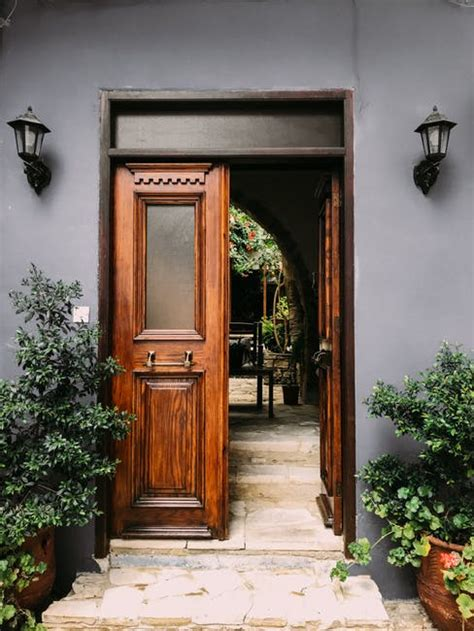 entrance grand   choose   exterior