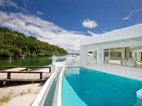 Modern Riverfront Home In Australia Idesignarch Houses Noosa