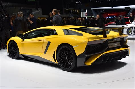 Lamborghini Aventador Hp Lamborghini Aventador Lp750 4 Sv Debuts With 740 Hp