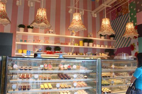 Cupcake Bakery by A Sweet Birthday Box Vanilla Cupcake Bakery