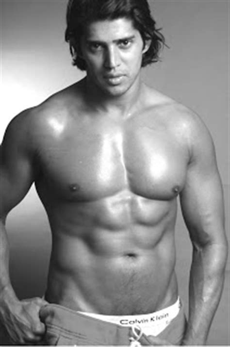 Hot Body Shirtless Indian Bollywood Model Actor Camron Sheedy