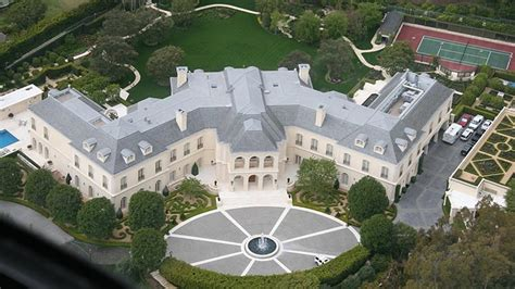 large mansions top 10 largest mansions in the world