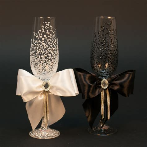 Wedding Glasses Personalized Champagne Glasses Black White