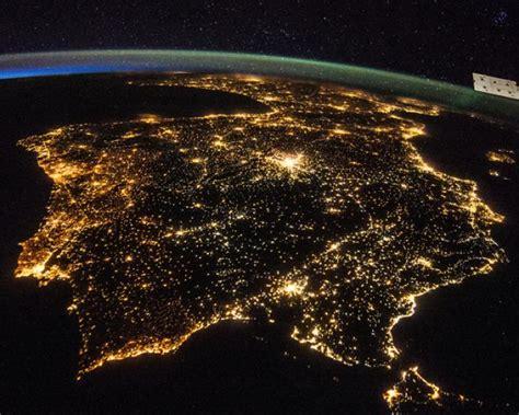 imagenes satelitales de la tierra de noche fotos la tierra de noche vista desde el espacio