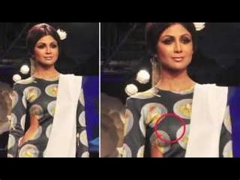 shilpa shetty wardrobe malfunction at lfw 2014