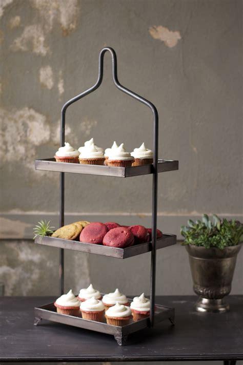 square metal  tiered display