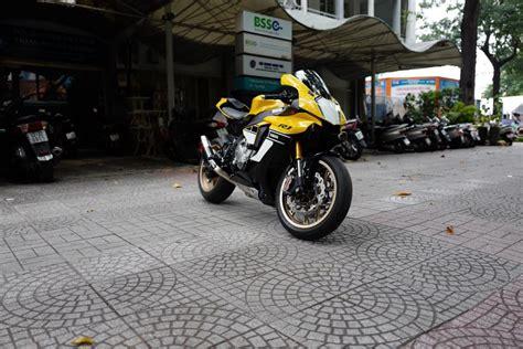 len yamaha r1 yamaha yzf r1 bản 60 năm l 234 n đồ chơi h 224 ng hiệu của biker