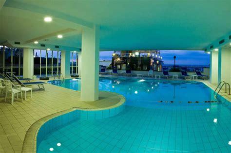 hotel riccione con piscina interna hotel cattolica con piscina vacanze mare in famiglia a