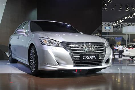 Toyota Crown 2015 Toyota Crown 2015 Www Imgkid The Image Kid Has It