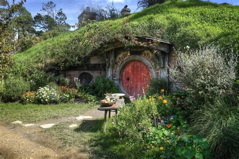 hobbit hole house exploring hobbiton and the shire home of frodo baggins