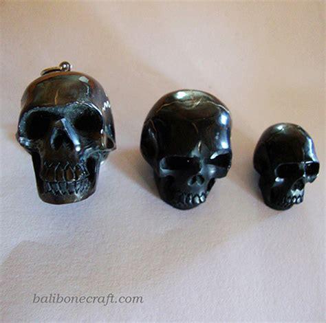 Kalung White 750 pendants of skull