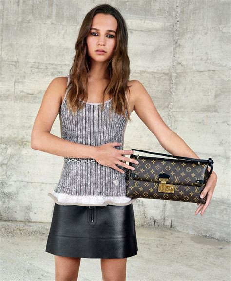 Tas Louis Vuitton Capucines Autumn 2016 With Clutch L 0621 cagne de publicit 201 louis vuitton automne hiver 2015